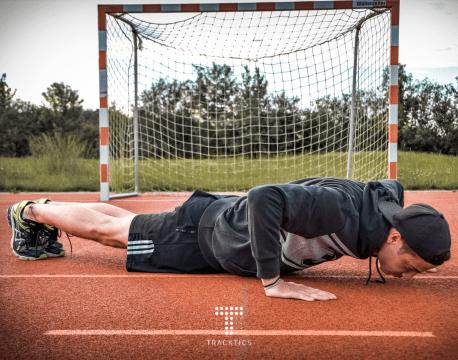 fussball krafttraining körpergewicht pushup liegestütz