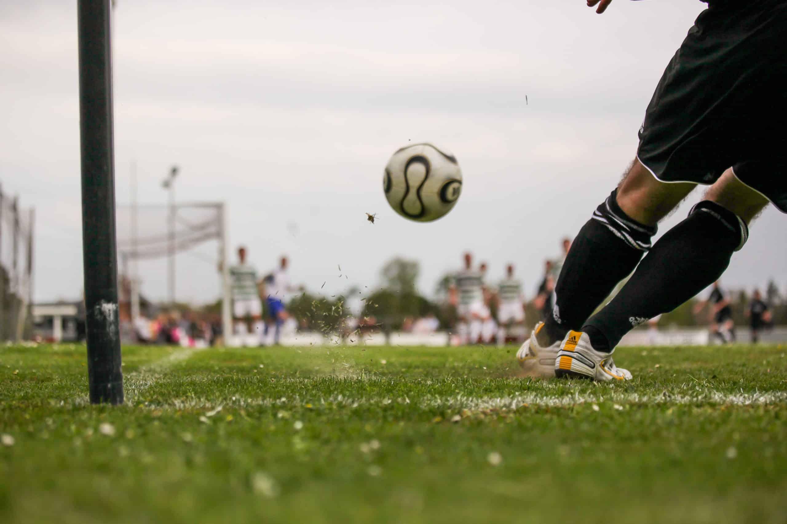Mentaltraining Fussball fit im Kopf Flanke Visualisierung